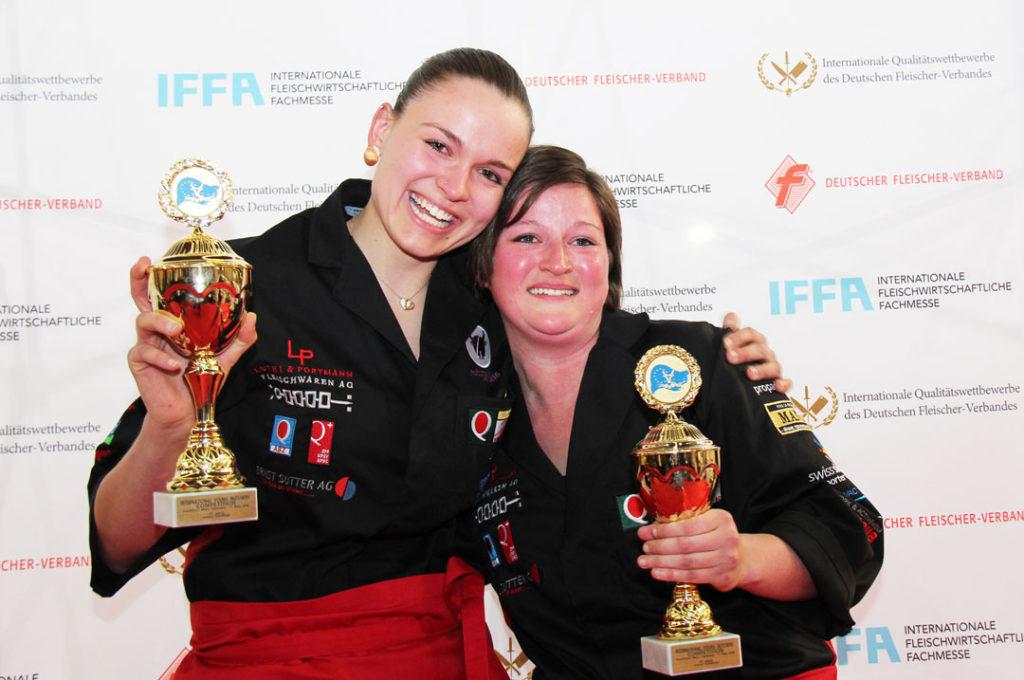 Gerührte-Siegerinnen-Team-Europameister-2016_Natacha-Henzer-und-Sandra-Linder_300